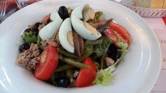 Le Trouvere: Grande salade niçoise, à 12 €