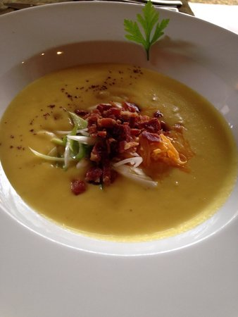 Restaurante Mango at Isla Verde: Potato soup