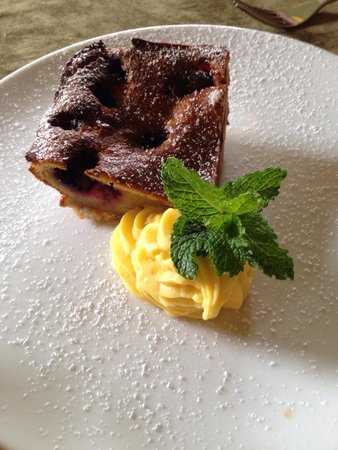 Restaurante Mango at Isla Verde: Blueberry bread pudding