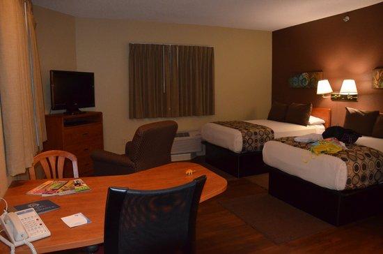 Hotel At WaterWalk: habitacion2