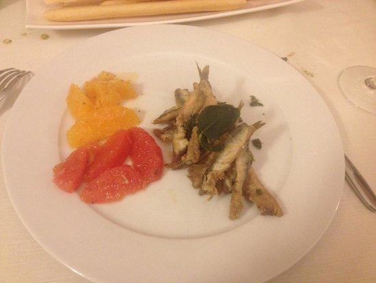 Ristorante Il Doc : Anchovies with two color grapefruit