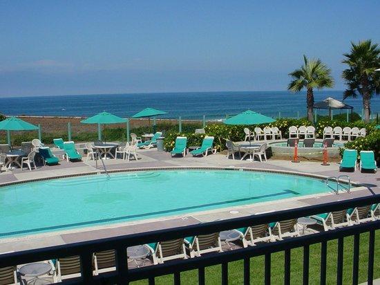 Carlsbad Seapointe Resort : adult pool
