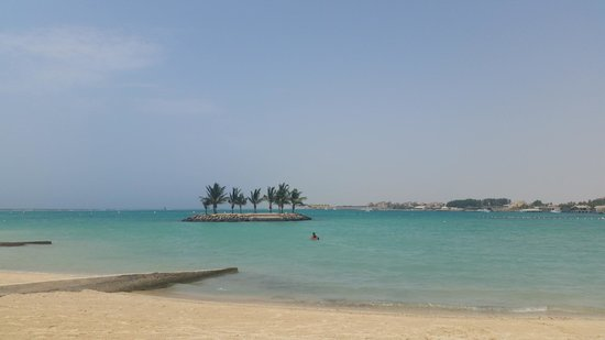 Silver Sands Beach: Island in the middle of the water
