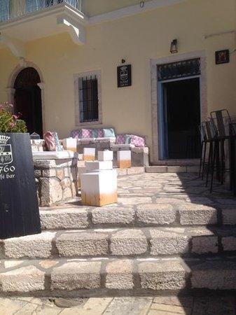 1760 Cafe Bar