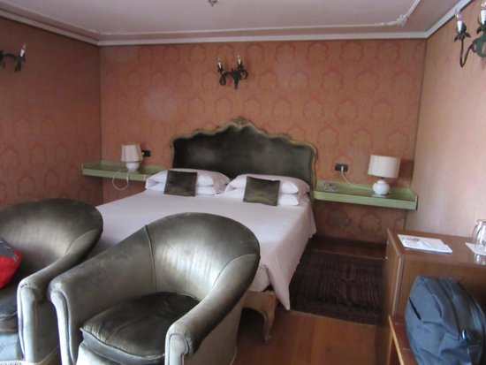 Hotel Saturnia & International: Our room