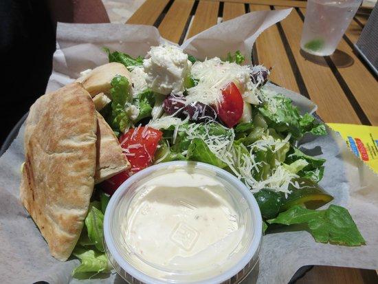 Holiday Inn Resort Aruba - Beach Resort & Casino : Greek Salad Oceanside Bar and Grill