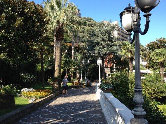 Grand Hotel Parco Del Sole: l'extérieur de l'hôtel
