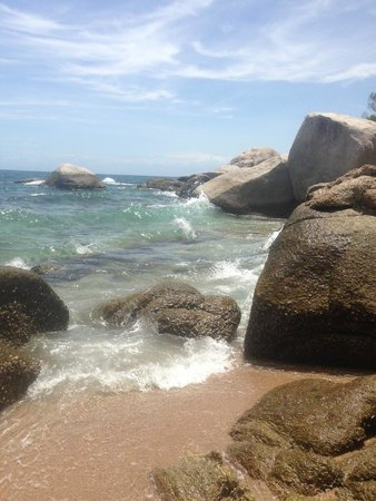 Koh Tao Hillside: beach