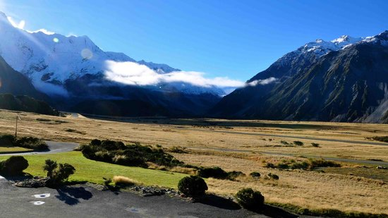 Mt Cook Lodge and Motels: What a view!