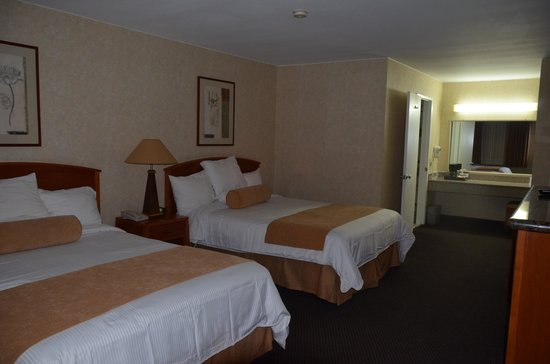 BEST WESTERN Camarillo Inn: room