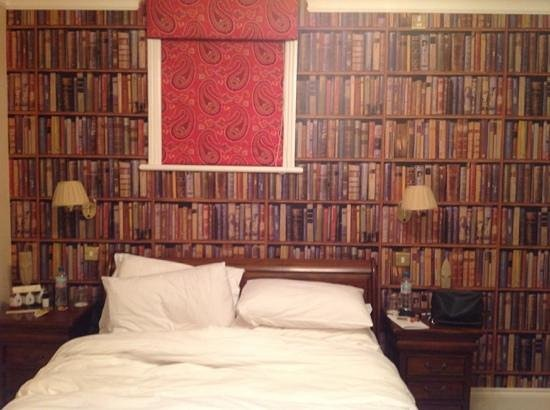 The Clarence Hotel : Loved the wallpaper of books