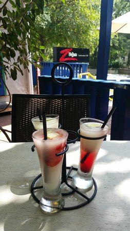 Z'Tejas Southwestern Grill : Flight of Margaritas--LOVE This!