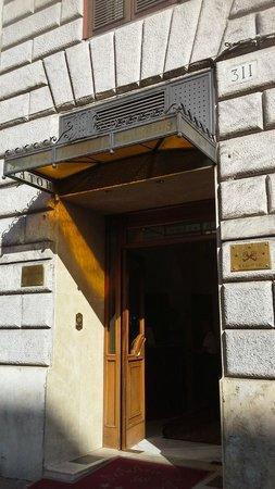 Hotel Solis: Entrance