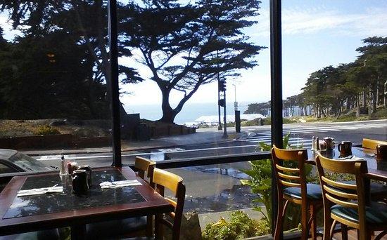 Seal Rock Inn: in restraunt looking n/w