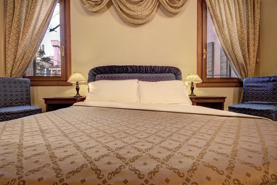 Locanda San Barnaba: Superior Double Room