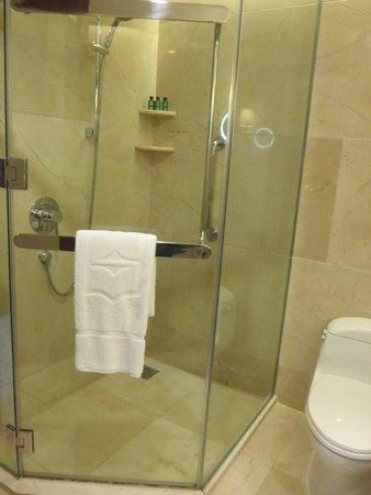فندق شانغريلا، بانكوك: Bathroom