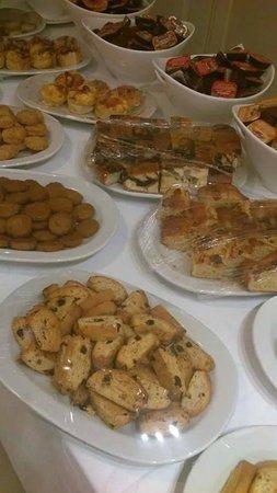 Skala, Yunani: Το πρωινό μας/ our breakfast (όλα χειροποίητα με παραδοσιακά τοπικά προιόντα/all handmade)