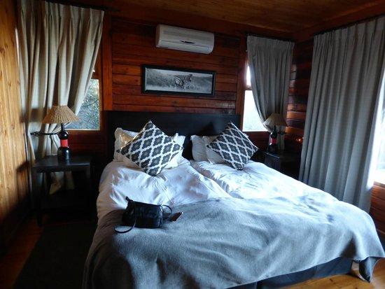Kariega Game Reserve - All Lodges: Bedroom
