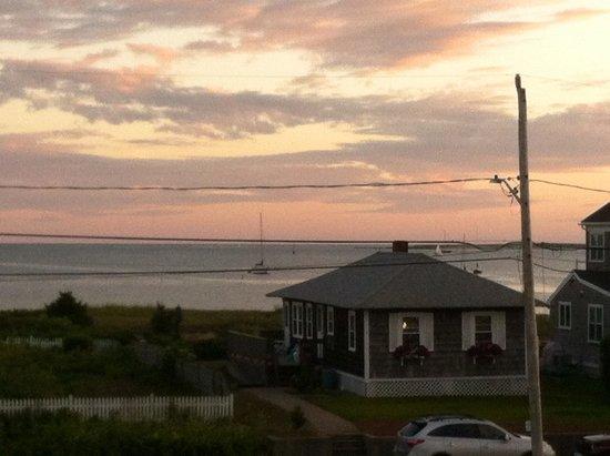 Colonial Acres Resort: Twilight