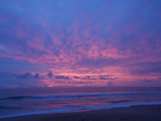 Ocean Sands Beach Inn: Beautiful sunrise