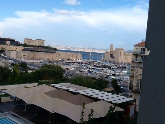 Radisson Blu Hotel, Marseille Vieux Port: view from the room
