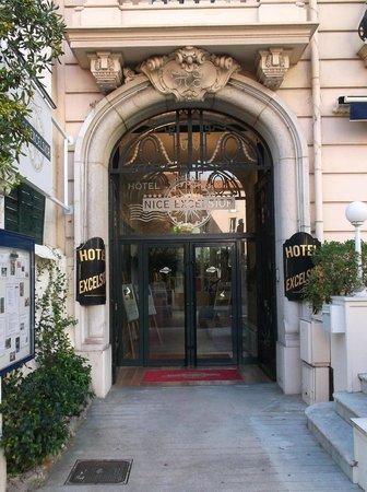 Nice Excelsior Hôtel : entrée principale