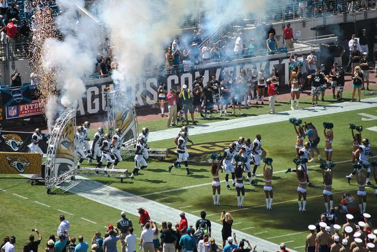 EverBank Field : Jaguars coming on to the field