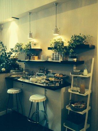 Chic & Town Luxury Rooms: Breakfast buffe