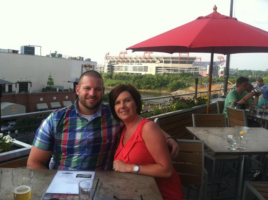 Holiday Inn Express Nashville Downtown Conference Center: Sitting at Rock Bottom Brewery, Can see the Titans stadium behind us