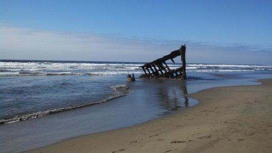 Clatsop Spit: Wreck on the Spit