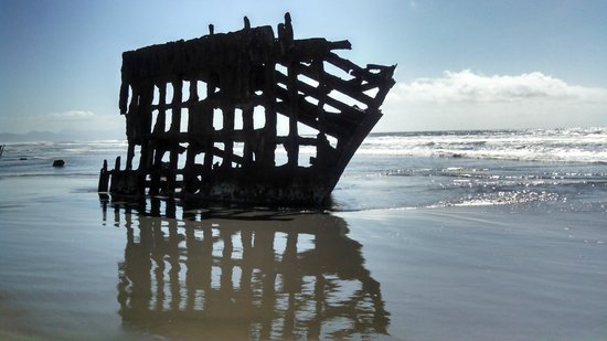 Clatsop Spit: Wrecks Line The Beaches
