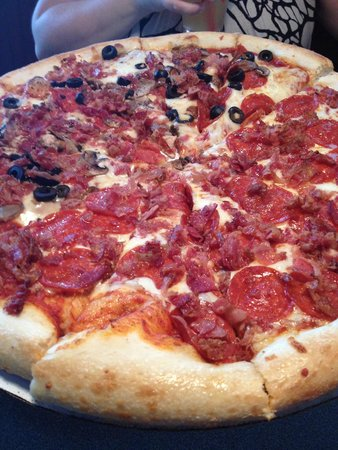 Photo of Italian Restaurant Dewey's Pizza at 265 Hosea Ave, Cincinnati, OH 45220, United States