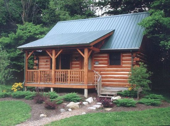 Cabins & Candlelight : Cabin exterior
