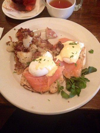 Cafe Orlin : Eggs Norwegian