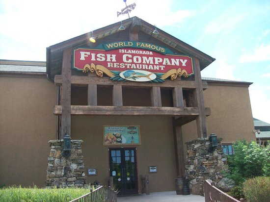 Exterior grounds in front of restaurant picture of for Islamorada fish company menu