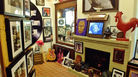 Howlin' Wolf Blues Museum: Inside museum