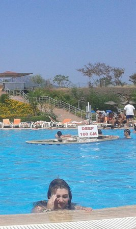 مارماريس, تركيا: Steep stairs but lovely pool