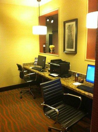Best Western Plus Tupelo Inn & Suites: Business Center