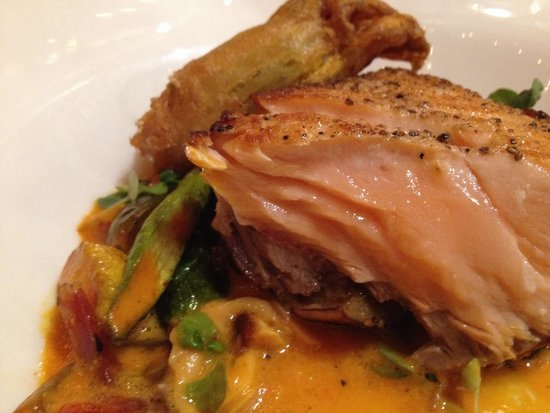 Bistro Vendome: Salmon entree, cooked perfectly.