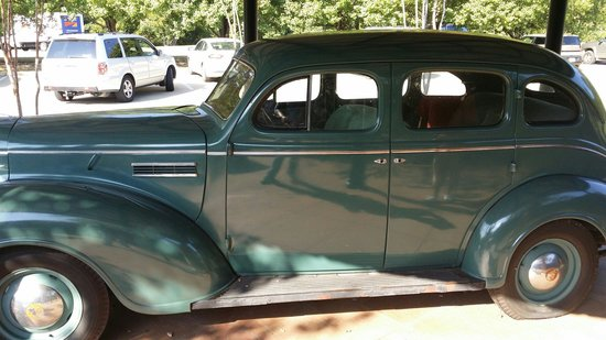 Elvis Presley Birthplace & Museum: A replica of Elvis Presley dad's car