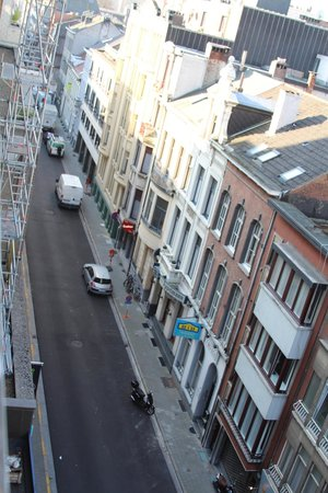 Antwerp City Hotel: View of street from room