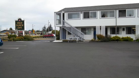 Old Town Inn: Rooms by Highway 101