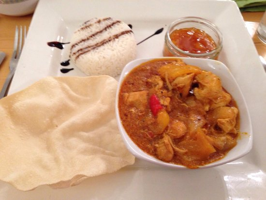 Bentley Brook Inn: Chicken curry— fantastic!