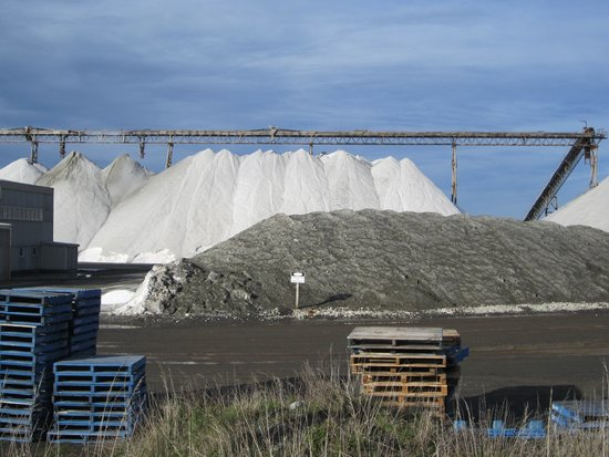 Lake Grassmere: July 2014 Salt piles from road.
