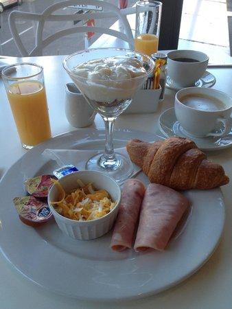 Urban Chic Boutique Hotel: Breakfast