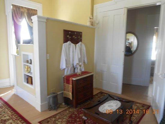 Springhill Winery & Plantation Bed 'n Breakfast: The bathroom niche
