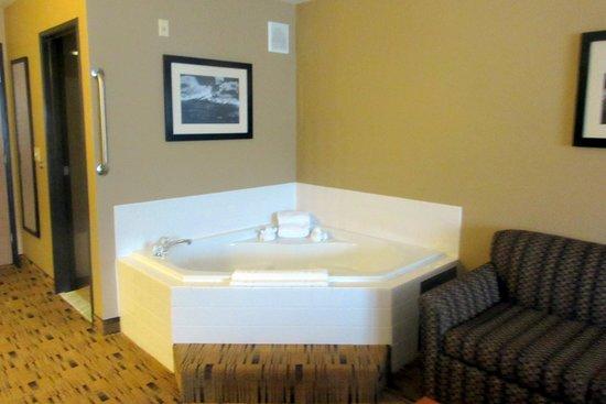 Spa Suite - Best Western Plus Columbia River Inn, Cascade Locks, OR