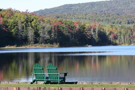 Seyon Lodge: Seyon Pond