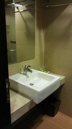 De Batara Hotel : Basic but practical