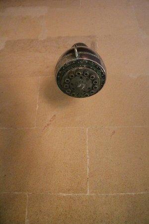 Bucu View Bungalows: pera ducha con mucha mucha cal, jajaja